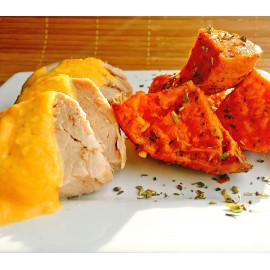 Pollo con salsa con acompañamiento