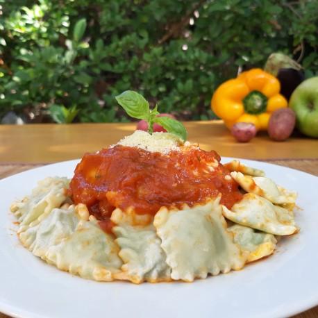 Ravioles de calabacín con salsa filetto